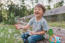 10 Best Bubble Machine for Kids Review – 2021